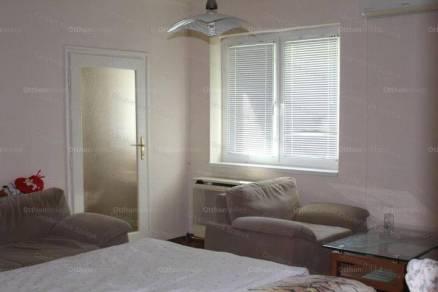 Szolnok 2+1 szobás lakás eladó