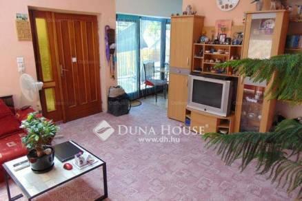 Pécs 4+6 szobás családi ház eladó