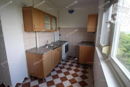 Eladó lakás Kiskunfélegyháza, 2 szobás