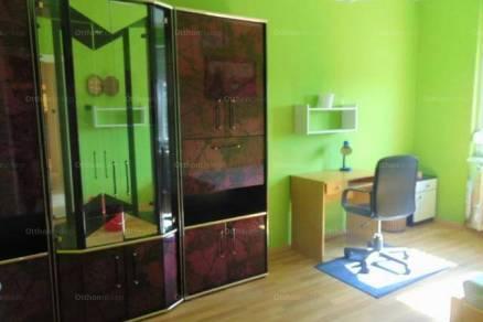Pécsi kiadó lakás, 2 szobás, 58 négyzetméteres