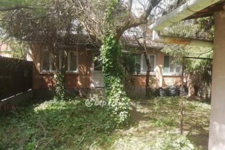 Családi ház eladó Gyula, a Corvin utcában, 93 négyzetméteres