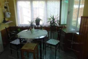 Családi ház eladó Cegléd, 75 négyzetméteres