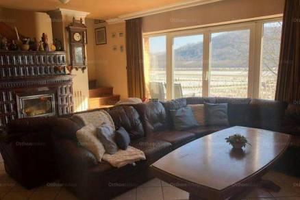 Rádi családi ház eladó, 280 négyzetméteres, 6 szobás