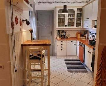 Keszthelyi eladó lakás, 2 szobás, 80 négyzetméteres