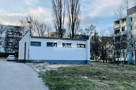 Veszprémi eladó lakás, 100 négyzetméteres