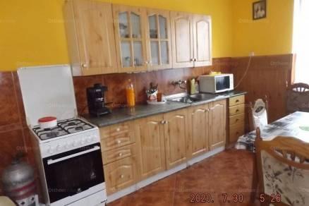 Surd 6 szobás családi ház eladó