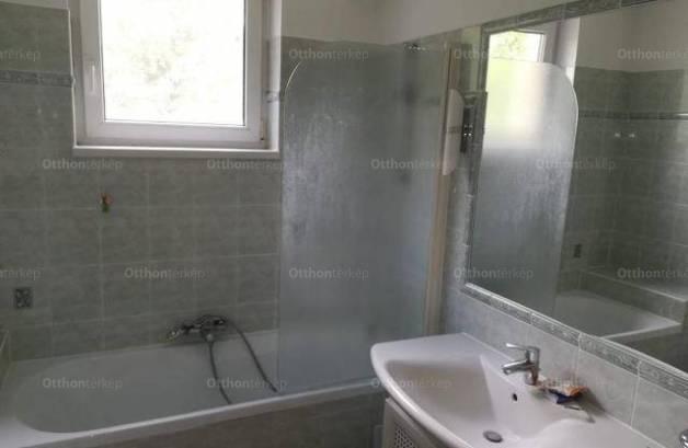 Kiadó lakás Pécs, 3 szobás