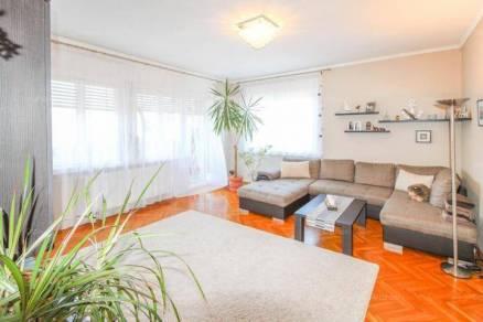 Budapesti lakás kiadó, 110 négyzetméteres, 2+3 szobás