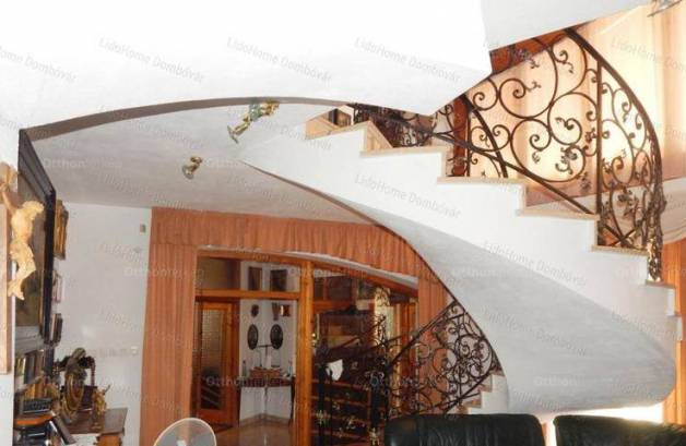 Eladó családi ház Döbrököz, 7 szobás, új építésű