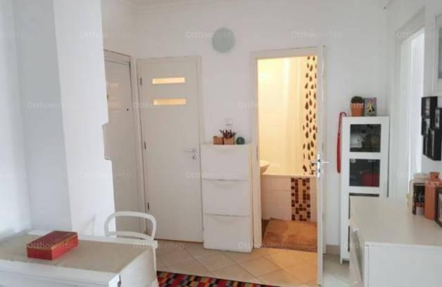 Eladó lakás Budapest, 2 szobás
