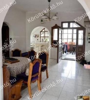 Eladó családi ház, Vác, 6 szobás