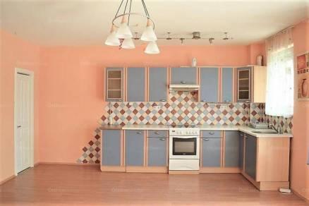 Győri lakás kiadó, 64 négyzetméteres, 3 szobás