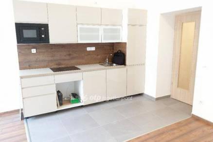 Budapesti lakás eladó, Kissvábhegyen, 3 szobás