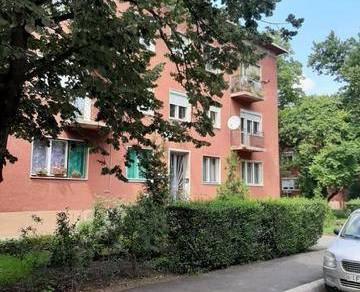 Szolnoki lakás eladó, 54 négyzetméteres, 2+1 szobás