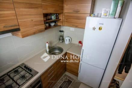Pécsi lakás eladó, 52 négyzetméteres