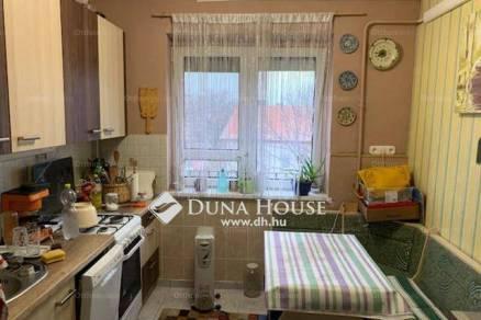 Pécsi lakás eladó, 51 négyzetméteres