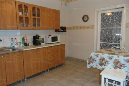Tápiószentmártoni eladó családi ház, 3 szobás, 100 négyzetméteres