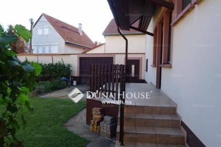 Eladó 4+2 szobás családi ház Kecskemét a Magyar utcában