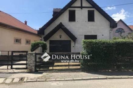 Eladó családi ház Veszprém, 4 szobás