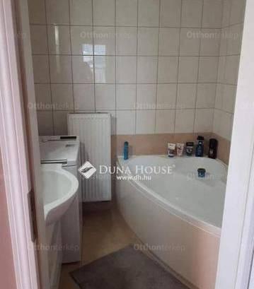 Lakás eladó Veszprém, 48 négyzetméteres