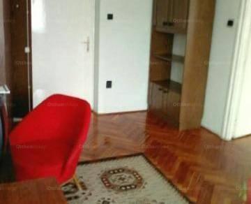 Pécsi lakás kiadó a Színház téren, 62 négyzetméteres