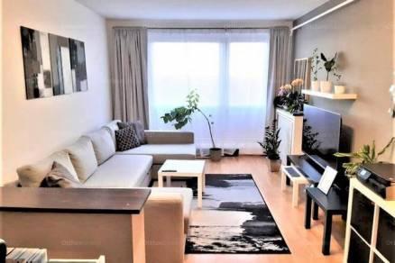 Pécsi lakás eladó, 53 négyzetméteres, 2 szobás