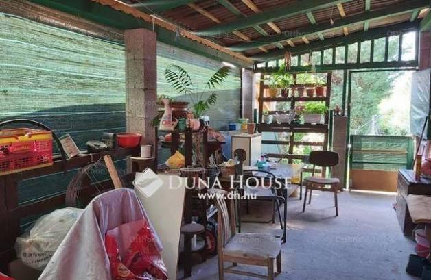 Erdőkertes ikerház eladó, 3 szobás