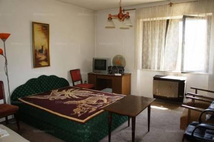 Eladó családi ház Celldömölk, 2 szobás