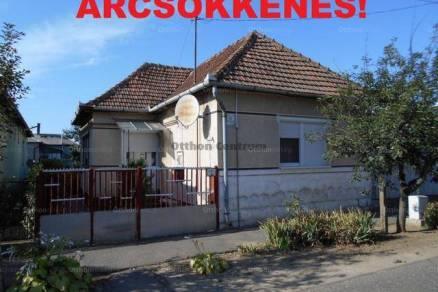Eladó családi ház Kisvárda, 2 szobás