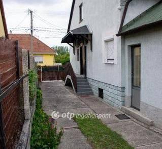 Győri eladó családi ház, 3 szobás