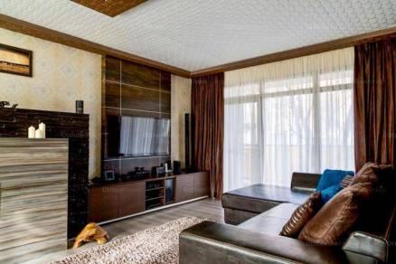 Eladó 14 szobás családi ház Szeged