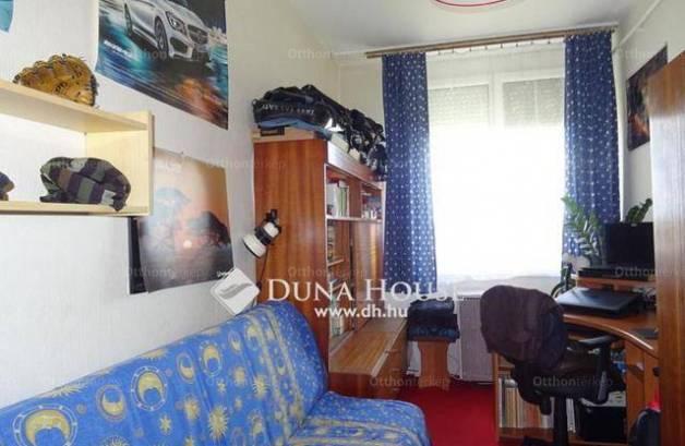 Kecskemét lakás eladó, 1+2 szobás