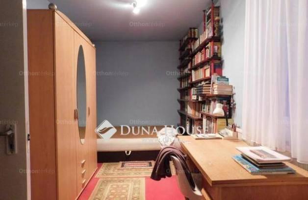 Debreceni eladó lakás, 2+1 szobás, a Jerikó utcában
