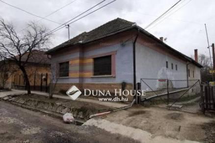 Fóti eladó családi ház, 4+1 szobás