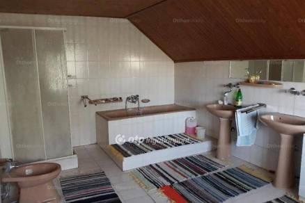 Eladó 6+1 szobás családi ház Szomor