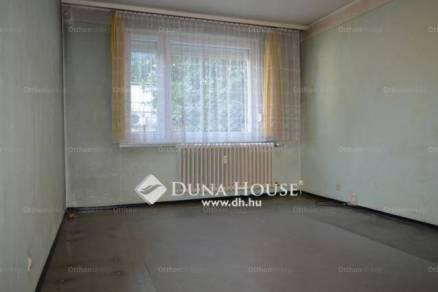 Eladó lakás Debrecen a Monti Ezredes utcában, 1+1 szobás