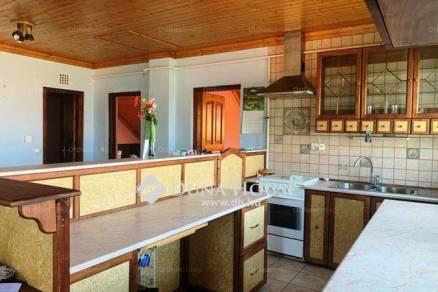 Eladó lakás Budakalász, 3 szobás