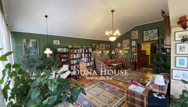 Győrújbarát 2+6 szobás családi ház eladó