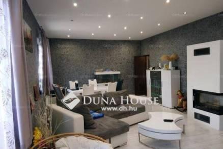 Lábatlani eladó családi ház, 5 szobás, 161 négyzetméteres