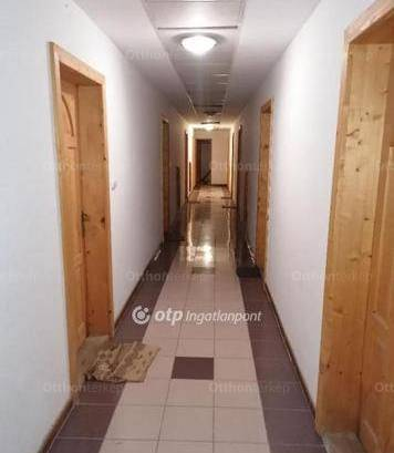 Családi ház eladó Oroszlány, 2000 négyzetméteres
