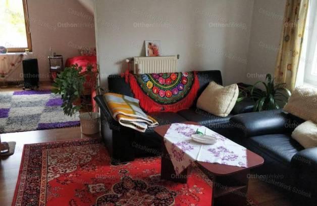 Eladó, Tiszavárkony, 9+3 szobás