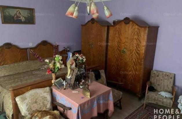 Családi ház eladó Kistelek, 220 négyzetméteres
