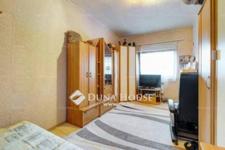 Budapest eladó házrész, Pacsirtatelep, Vörösmarty utca, 30 négyzetméteres