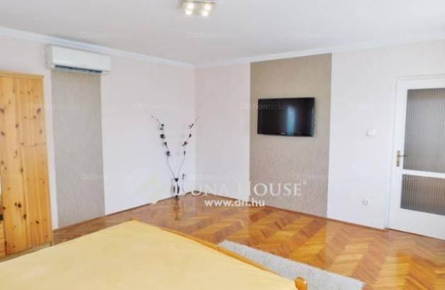 Eladó családi ház Debrecen az Epreskert utcában, 5+2 szobás