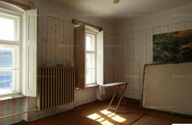 Eladó, Lad, 4 szobás