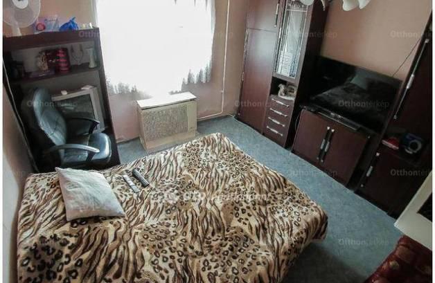 Hajdúböszörményi ikerház eladó, 160 négyzetméteres, 2+6 szobás