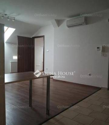 Pécsi lakás kiadó a Ferencesek utcájában, 70 négyzetméteres