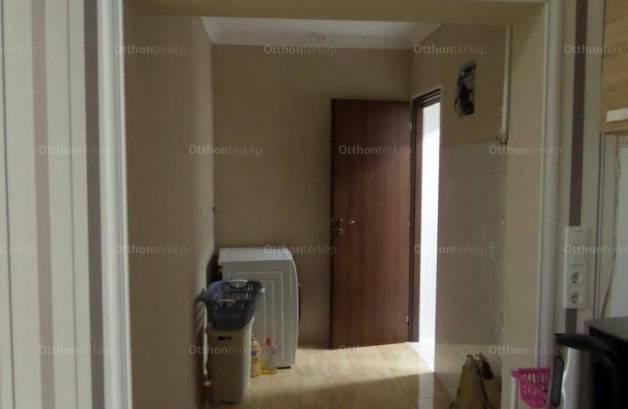 Eladó, Szolnok, 4 szobás