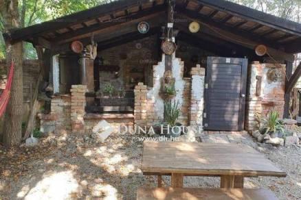 Balatonboglári nyaraló eladó, 70 négyzetméteres, 1+4 szobás