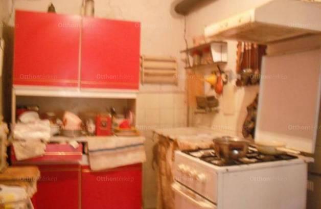 Eladó 2 szobás családi ház Ludas
